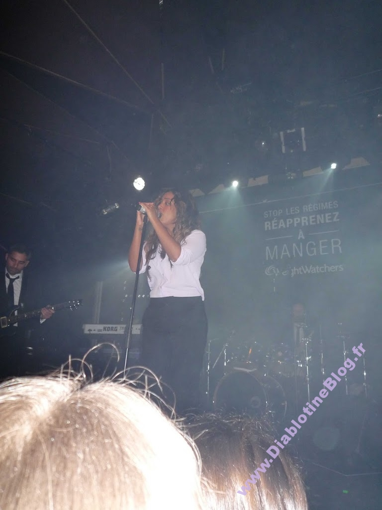 Show case privée Amel Bent
